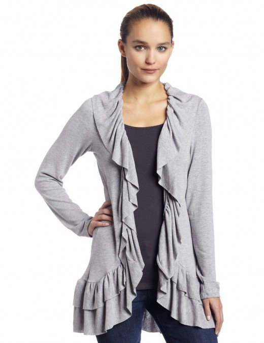 Asymetric cardigan with ruffles