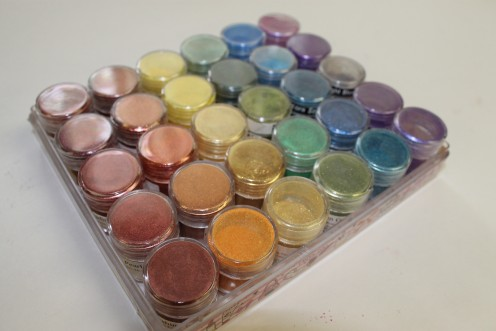 Storing your pigments in this way can display exactly what colour of pigments you have.  I call this one my Rainbow Pigment Palette.