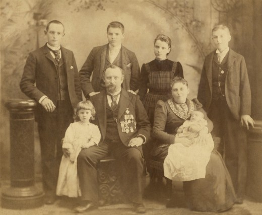 Dr Fredrick Riehl Family, Thanksgiving Day 1893 San Francisco,California. This photo Includes his second wife who was my grandfathers step-mother.