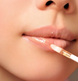 Wearing lip-gloss correctly can be easy and almost perfectly done.