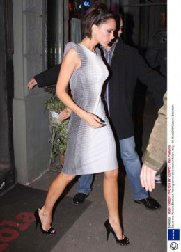 Victoria Beckham is one of the icons for high heel-lovers. Observe her walking style: toes of the shoes kept straight, shoulders expanded, body slightly leaned back, light arms' movement helps to maintain the balance
