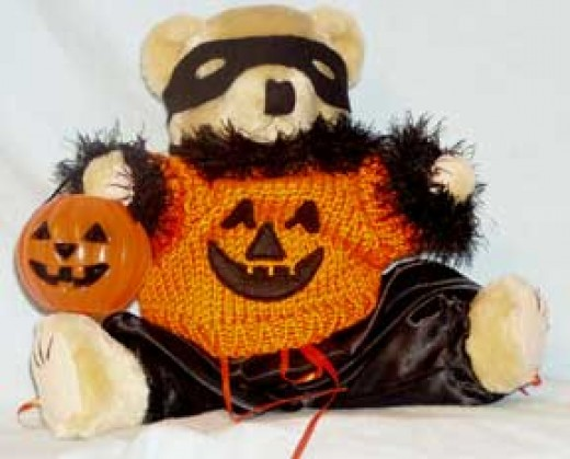 Trick or Treat Pumpkin Bear
