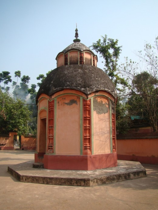 The octagonal Shiva temple