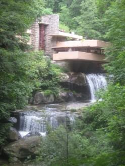 Falling Water: A Frank Lloyd Wright Home