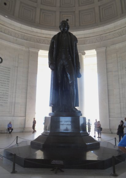 Light was poor but this statue was so impressive. the walls are full of Thomas Jefferson's writings. My photo