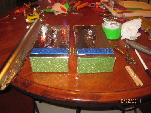 Tissue boxes for the feet