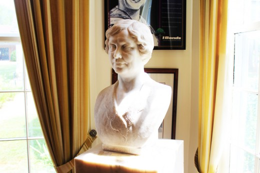 A statue of Helen on display in the museum ©MBG