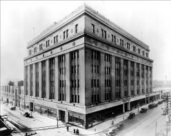 Eaton's College Street Store, Toronto - ca 1930, source Wikipedia Commons