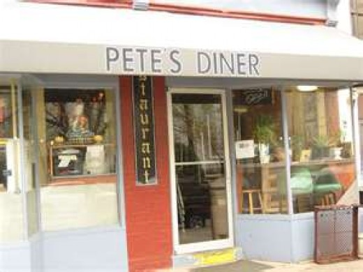 This is not  the Pete's Diner in Fountain Inn, SC but it does have an uncanny resemblance.