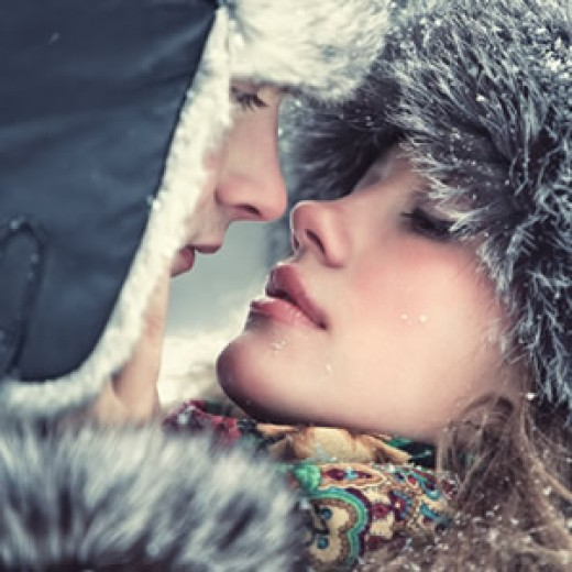 http://gfx.tarot.com/images/feeds/300x300/couple-winter-300x300.jpg