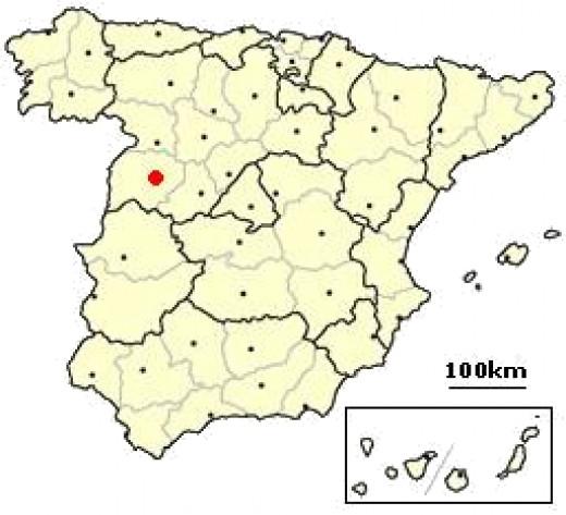 Salamanca is located in western Spain in Castilla Vieja.