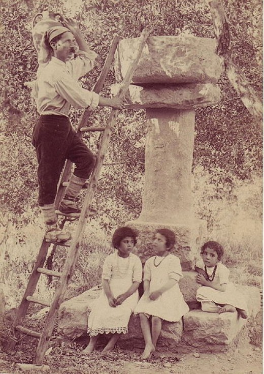Sicilian Peasants Bruno,_Giuseppe_(1836-1904)_-_Contadini_(timbrata).