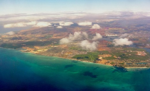 Beautiful Hawaii... How pretty it must look from the view of an angel...