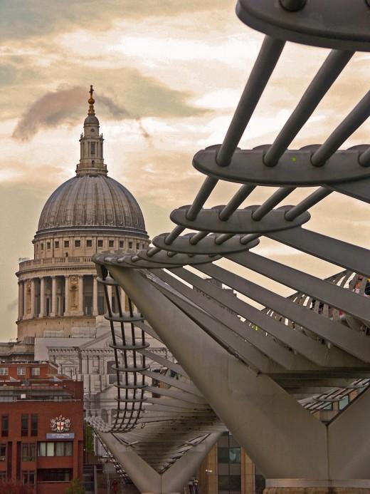 Saint Paul's Cathedral and the Millenium Bridge