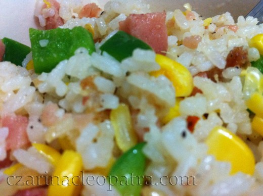DAY 2 FRIED RICE. Snow peas replaced by green beans. No hotdogs but more corn.