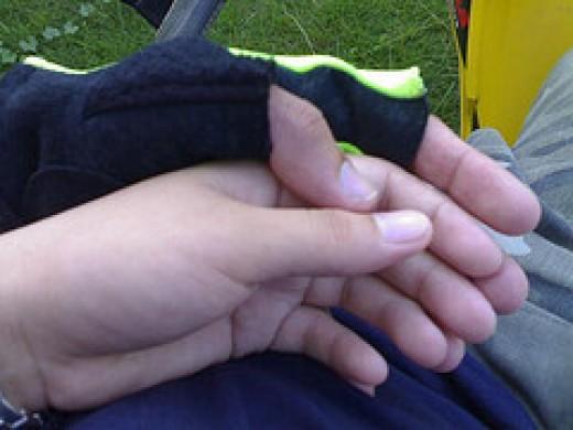 Lover's Hands from wewen dexplorer Source: flickr.com