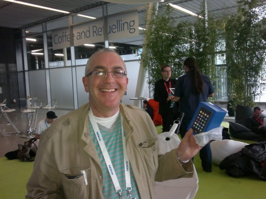 Me a few minutes after receiving my N9 from Juha-Matti Heikkinen , I was a bit more than pleased :-)