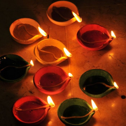 Clay lamps for Hindu Fall/Winter holiday of Diwali