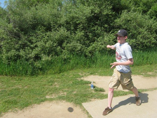 Disc golf drive photo
