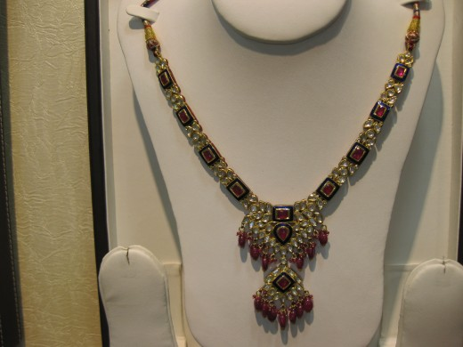 Jadau Necklace with hanging pendant.