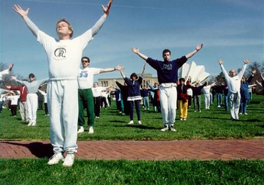 Qigong exercise on World Tai Chi and Qigong Day, 2006