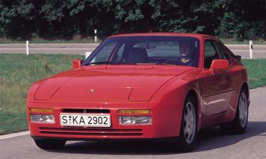Porsche 924 S2