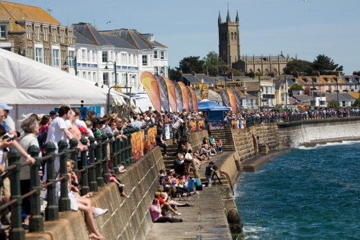 The Penzance 2011 world record attempt for the most number of 'pirates' in one place!