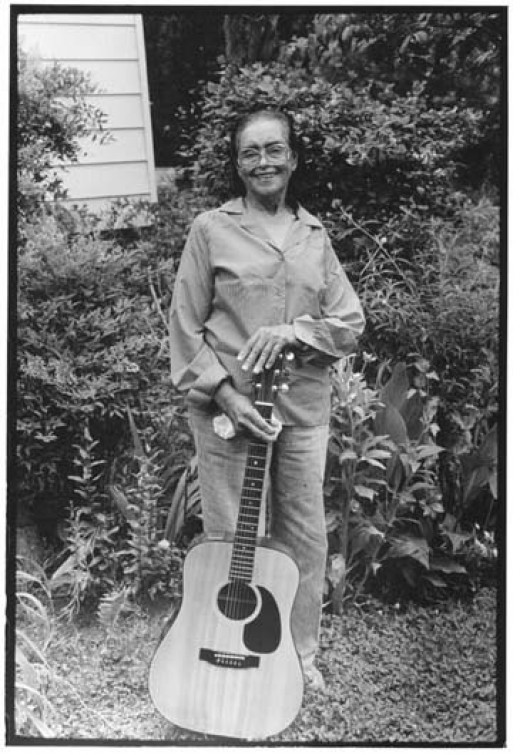 Etta Baker and her guitar