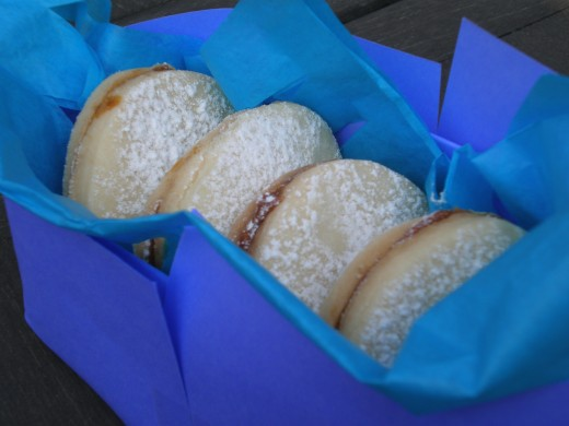 If you would like the butter cookies for a gift, try recycling a box you have at home from some former gift or bought item, and wrap it up in bright colored paper.
