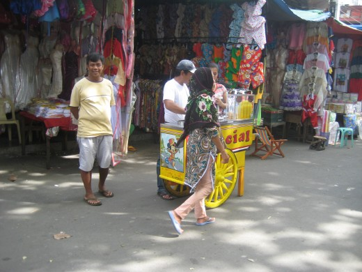 'Dirty' ice cream (sorbetes) vendor