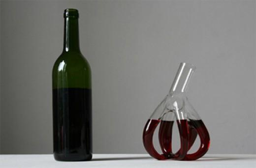 """""""Little Hearts"""" wine glass."""