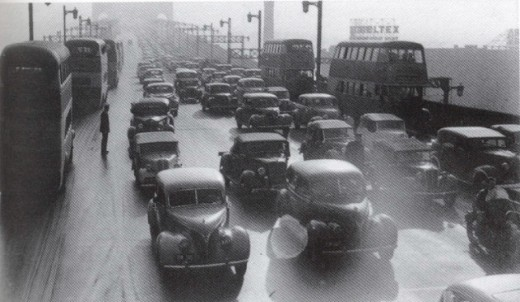 Traffic across the bridge in May 1947.