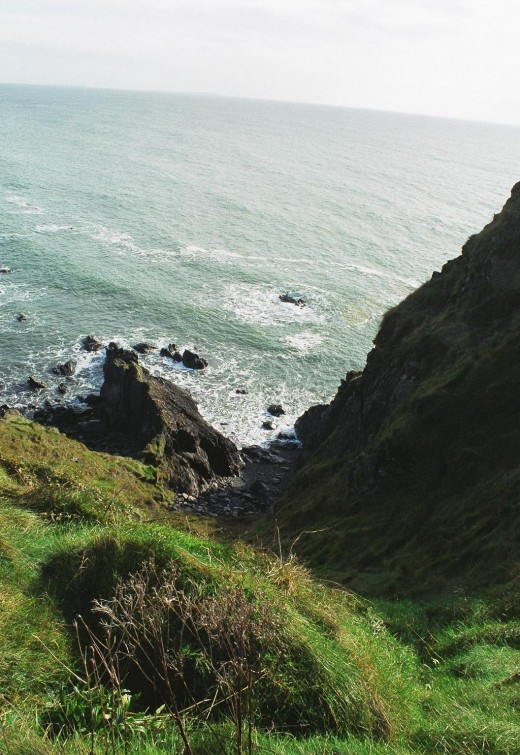 When Oliver Cromwell arrived in Ireland, the monks fled the area and the lighthouse went dark, causing many shipwrecks among these treacherous cliffs.