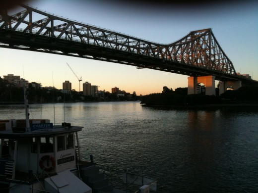 IMAGE 4 Story Bridge at daybreak Iphone 3GS