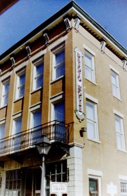 DeSoto House Hotel in Galena