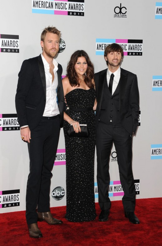 Lady Antebellum looked classy and cute together on the red carpet.