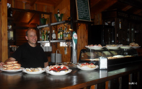 A wonderful selection of traditional tapas in a bar in Velez-Málaga.