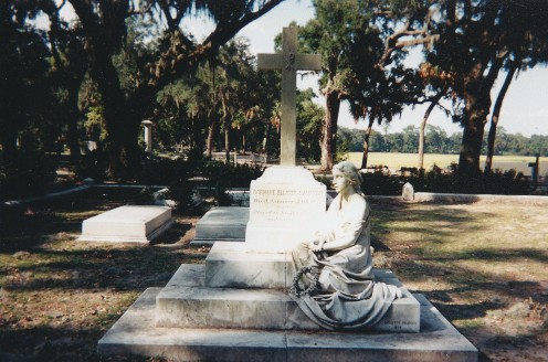 Connie Elliot Lawton's Grave