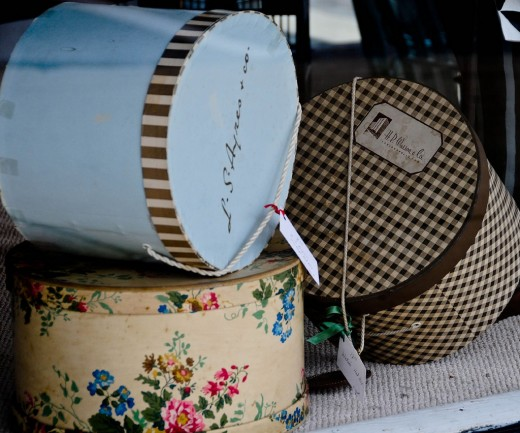 Hatboxes come in a variety of colors and sizes.