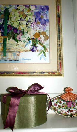Hatboxes can be dressed up to match the color schemes in your room.