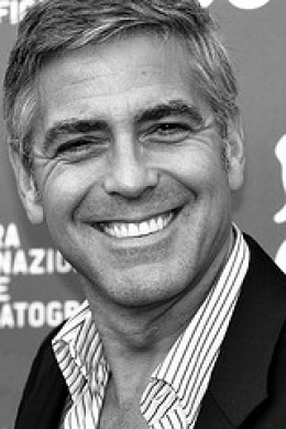 George Clooney stars as Matt King in The Descendants.