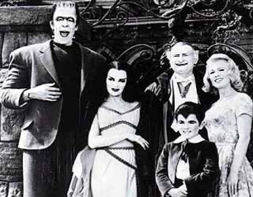 """De Carlo's Lily added a sense of allure to some sitcom fare on """"The Munsters."""""""