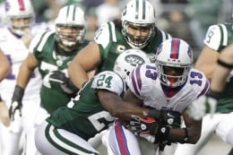 Darelle Revis takes the Billl down