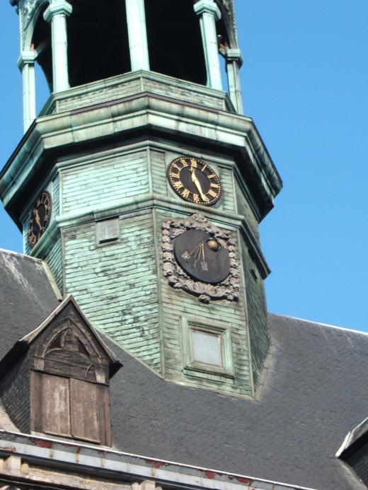 Campanile, City Hall, Mons