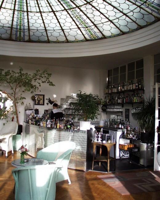 Burgh island 39 s luxury hotel and film location for Art deco hotel devon