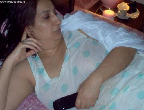 xy Aunty from Pakistan in Salwar Kameez Part 2