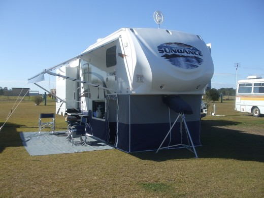 Sundance 5th Wheeler. Free camping luxury.