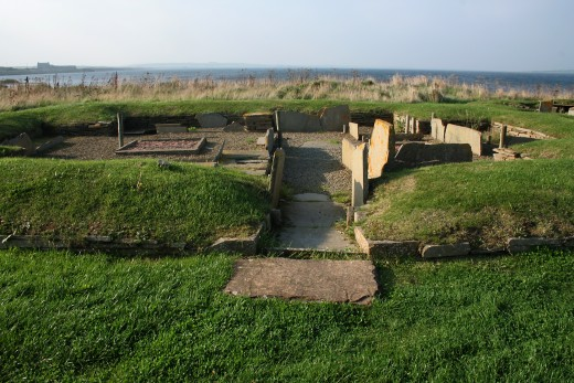 he remains of neolithic dwellings at Barnhouses close to the stones of Stenness