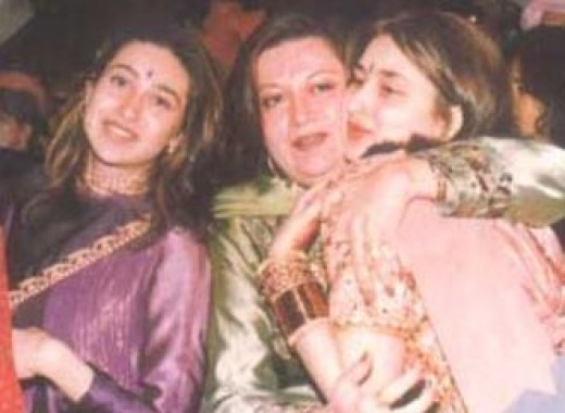 Kareena Kapoor with sister Karishma Kapoor and mother