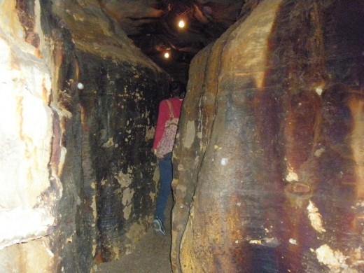 Narrow passageway at The Ohio Caverns